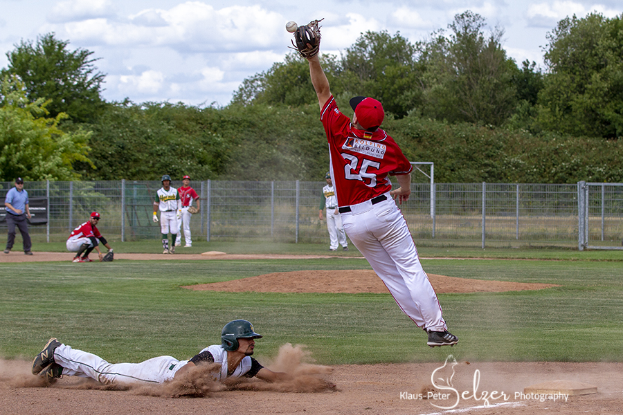 Baseball – Action